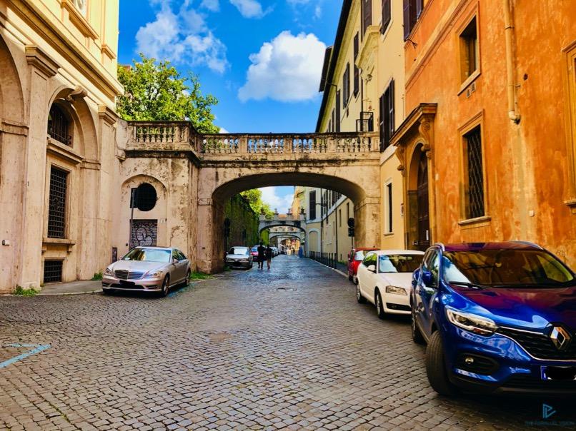 rioni-di-roma-the-parallel-vision-foto-trevi-strade-monumenti-arco-ponte