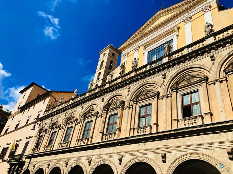 rioni-di-roma-the-parallel-vision-foto-trevi-strade-monumenti-finestre