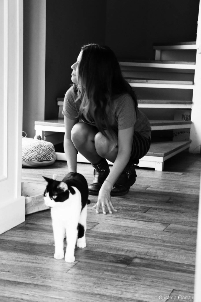 girl-with-cat-black-and-white