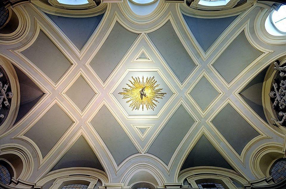 soffitto-volta-tetto-decorazione-oro