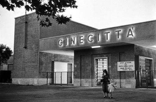 cinecittà-bianco-e-nero-roma-anna-magnani-bellissima-film-visconti