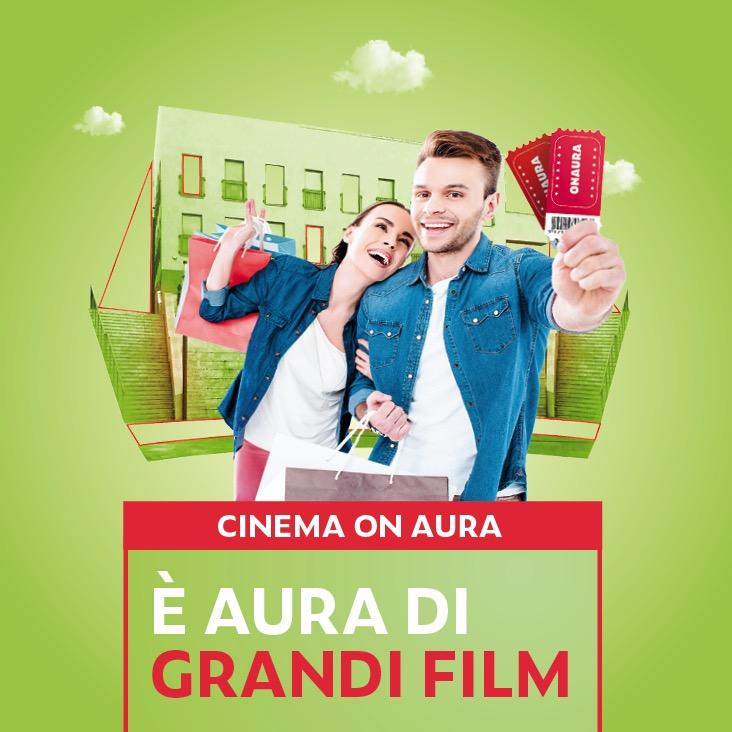 cinema-on-aura-grandi-film-ragazzi-con-biglietto-cinema-in-mano-sorridono
