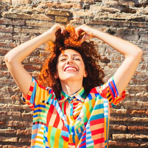 gabriella-martinelli-redhead-girl-color-shirt-smile
