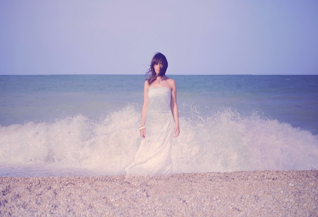 girl-in-the-sea-beach