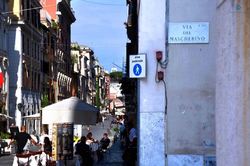rioni-di-roma-the-parallel-vision-foto-borgo-strade-monumenti-vicoli-via-del-mascherino