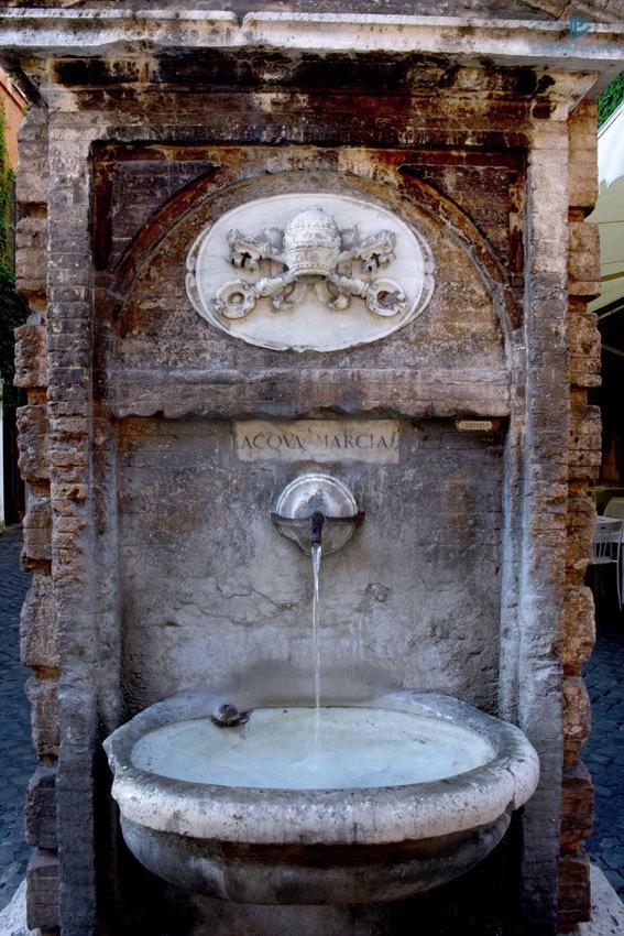rioni-di-roma-the-parallel-vision-foto-borgo-strade-monumenti-vicoli-nasone-fontanella