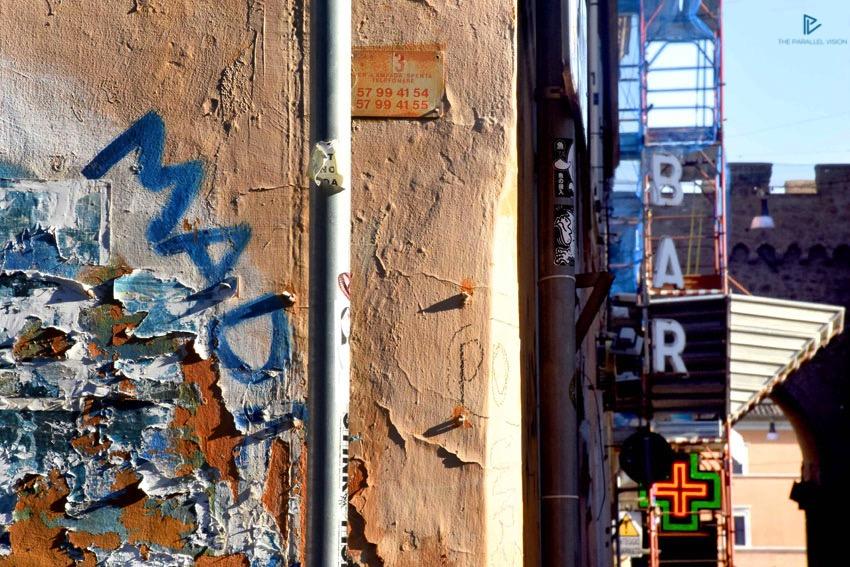 rioni-di-roma-the-parallel-vision-foto-borgo-strade-monumenti-vicoli-street-art-murale-bar