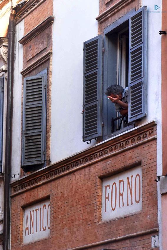 rioni-di-roma-the-parallel-vision-foto-borgo-strade-monumenti-vicoli-antico-forno-finestre