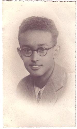 giorgio-marincola-ragazzo-occhiali-foto-bianco-nero