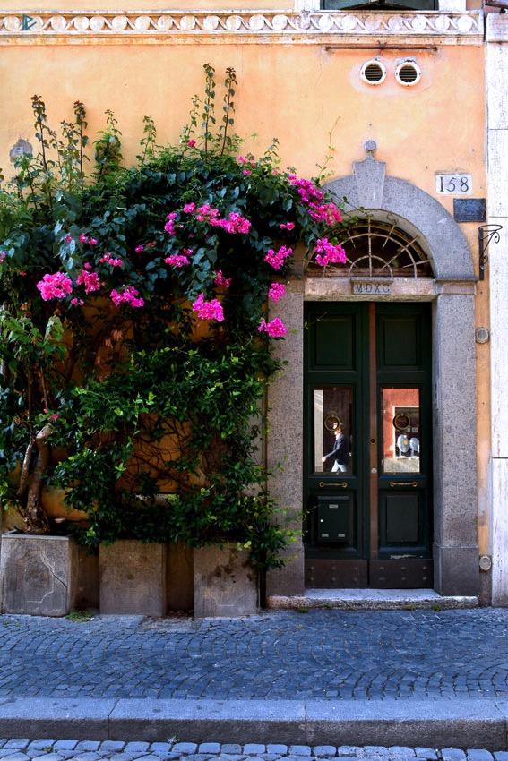 rioni-di-roma-the-parallel-vision-foto-borgo-strade-monumenti-vicoli-fiori-porta