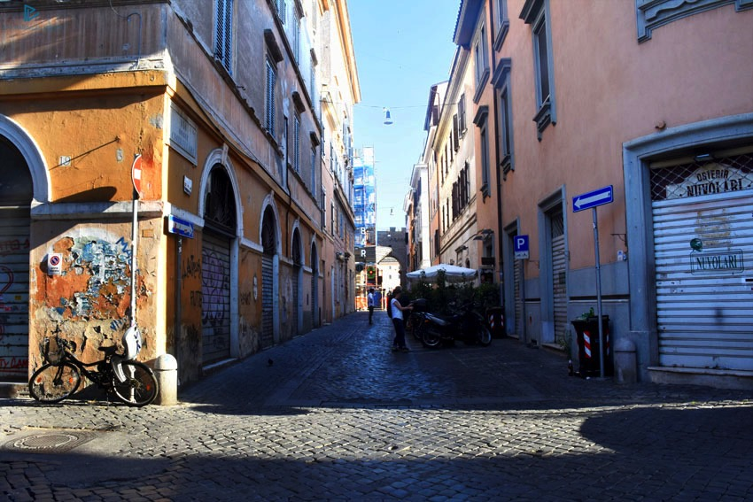 rioni-di-roma-the-parallel-vision-foto-borgo-strade-monumenti-vicoli-sanpietrini