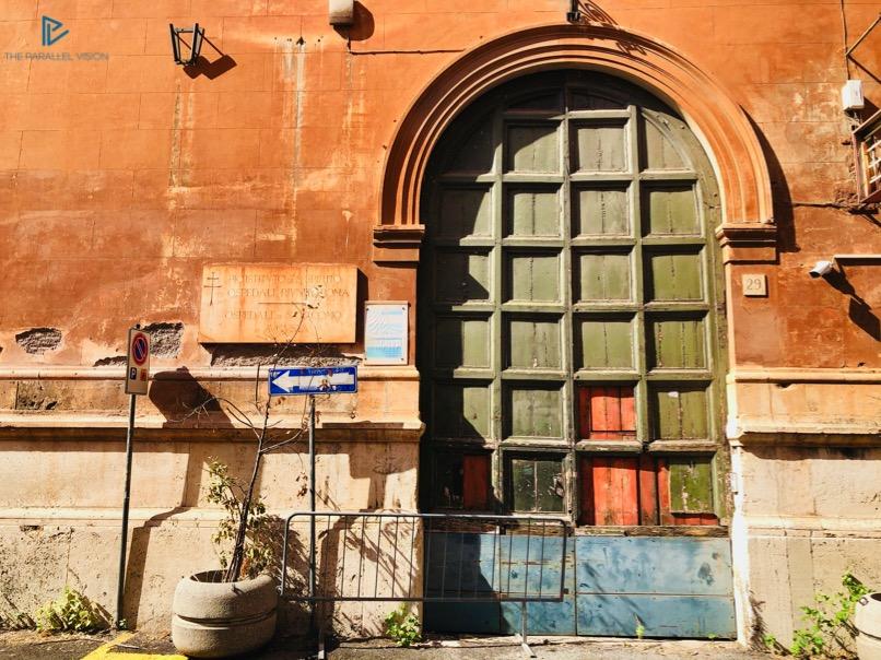 rioni-di-roma-the-parallel-vision-foto-campo-marzio-strade-monumenti-vicoli-portone