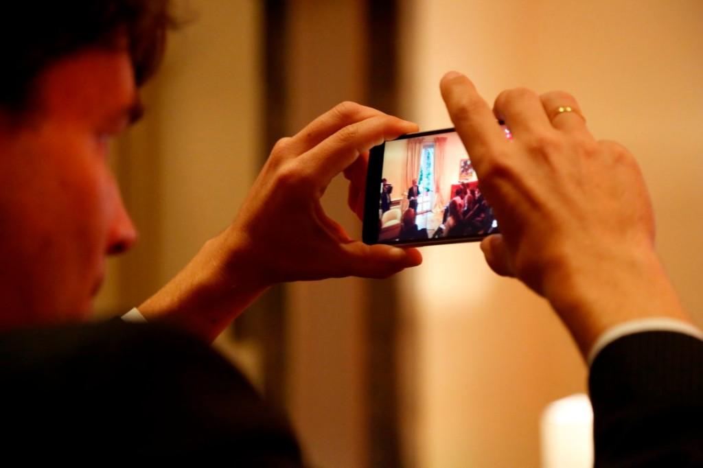 mobile-cellulare-immagine-schermo-uomo