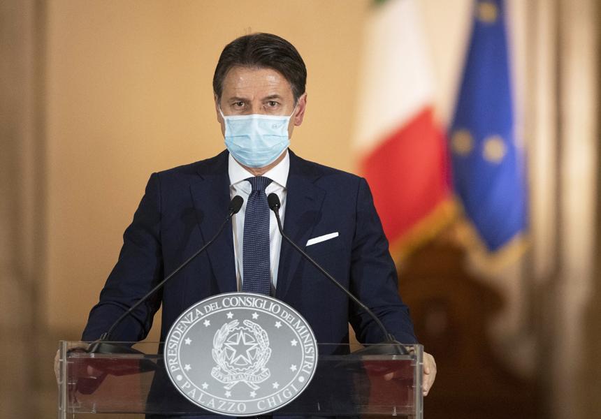 giuseppe-conte-uomo-mascherina-microfono