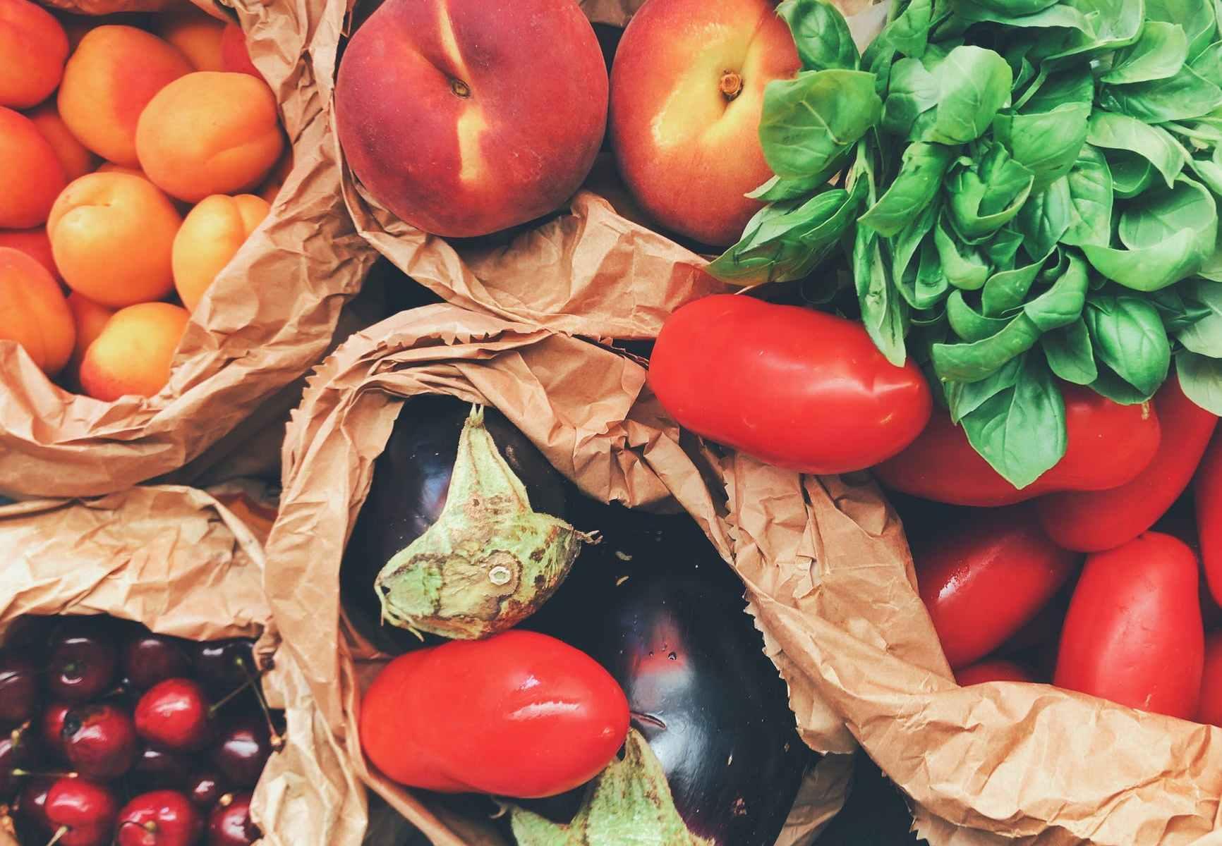 cibo-frutta-verdura-pomodori-pesche-ciliegie