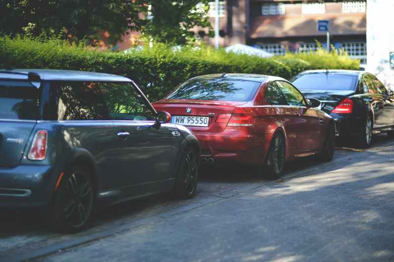 car-macchine-parcheggio-parking