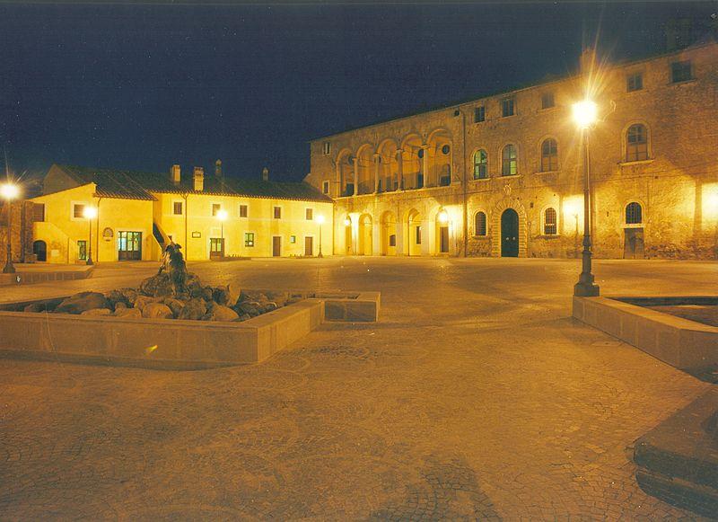 piazza-monumento-luci
