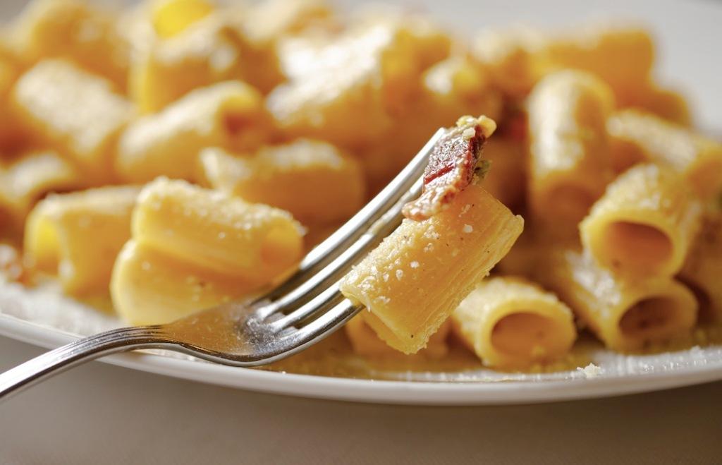 pasta-mezzemaniche-forchetta