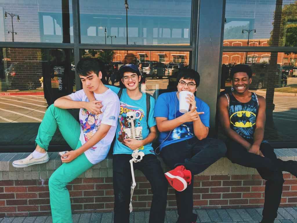 ragazzi-adolescenti-amici