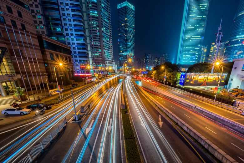autostrada-luci-palazzi