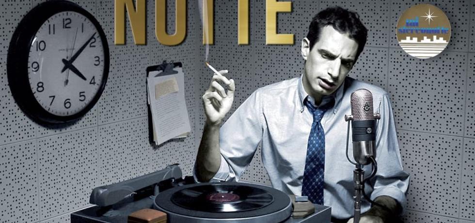 giradischi-orologio-sigaretta-microfono