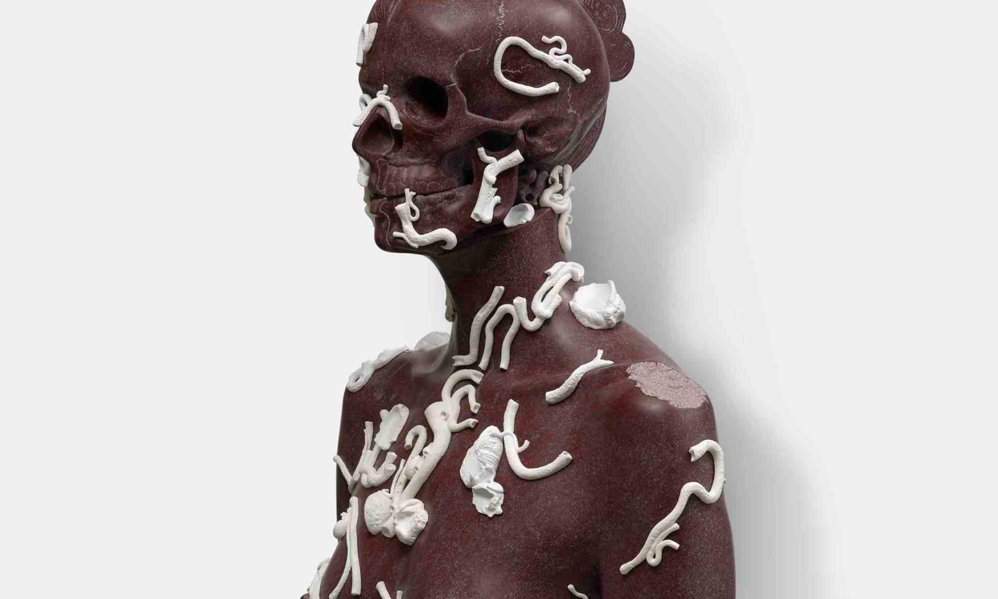 corpo-teschio-scultura-statua