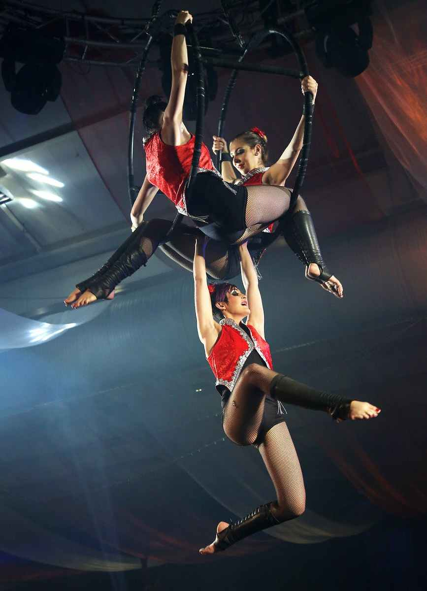 trapezisti-artisti-circo