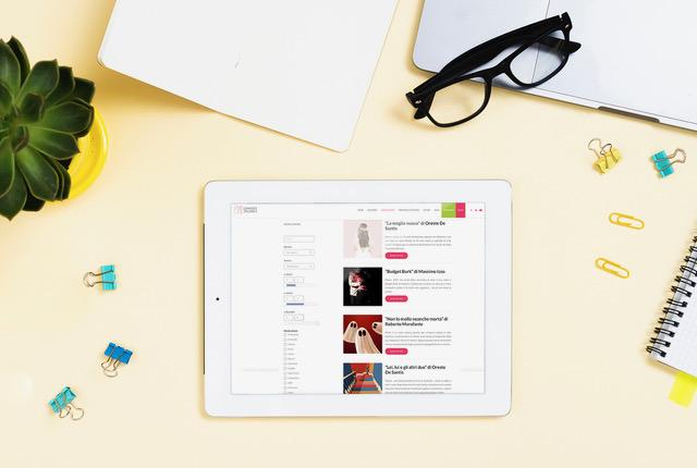 tablet-occhiali-quaderno-pianta