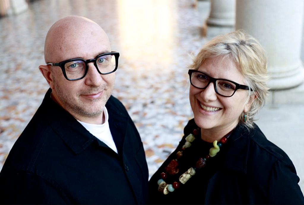 uomo-occhiali-donna
