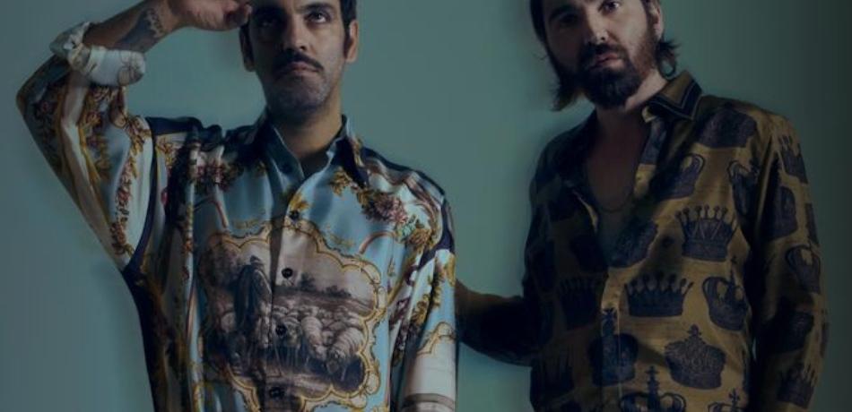 ragazzi-camicia-barba-baffi