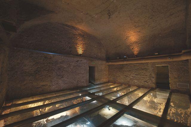 grotta-vetro-porta-domus-romane