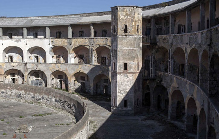 mura-torre-arena