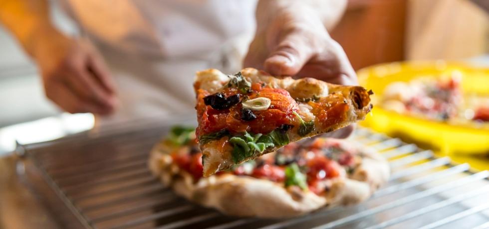pizza-mano