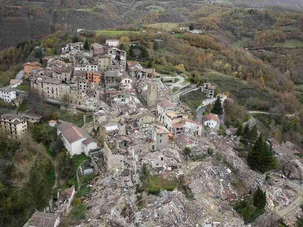 rovine-macerie-paese-alto-accumoli-terremoto