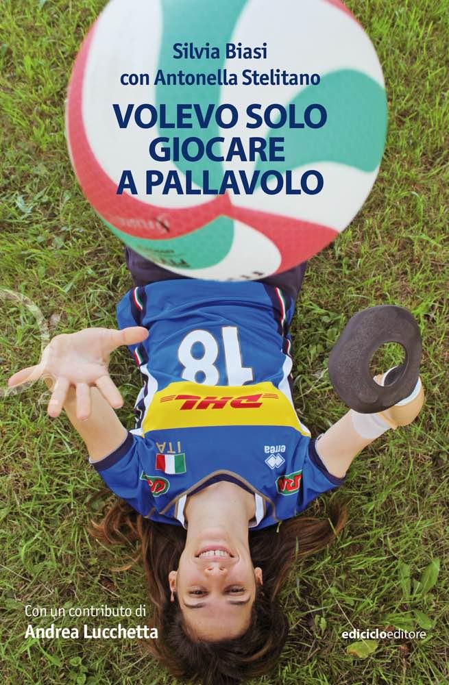 pallone-pallavolo-ragazza-erba-braccio-protesi