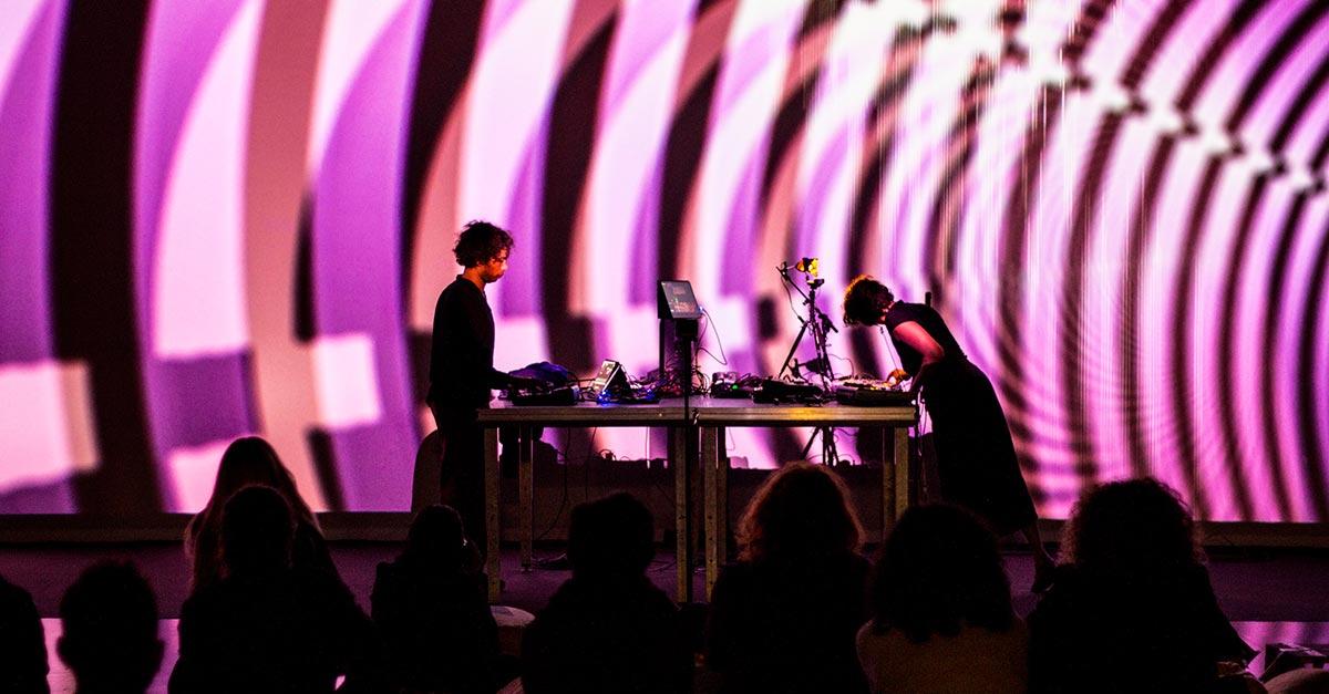 musica-dj-ragazzi-console