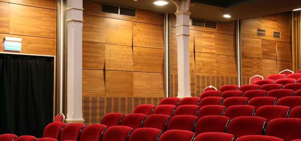 teatro-cinema-poltrone-sala