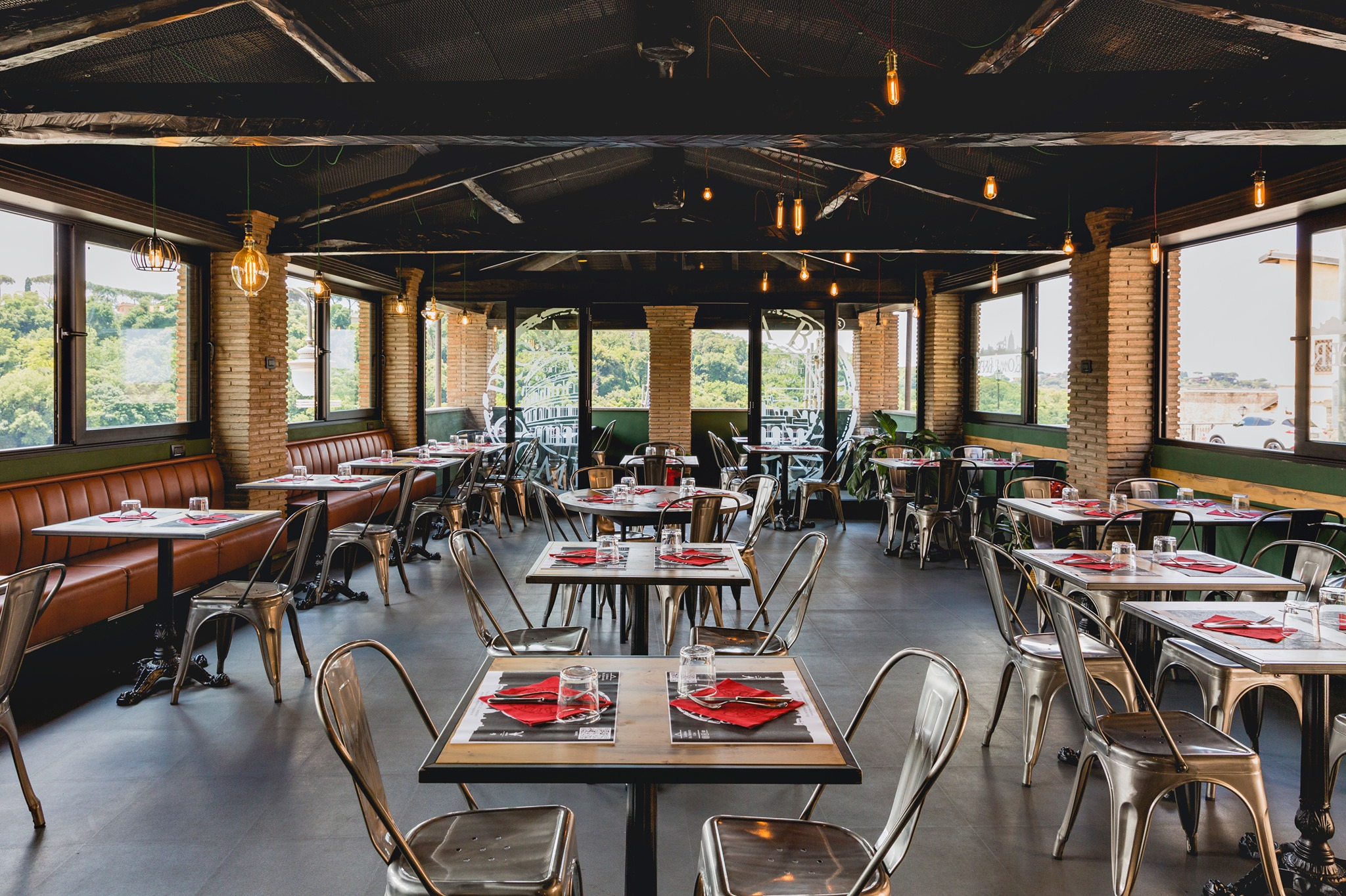 tavoli-sedie-pranzo-ferragosto-2021