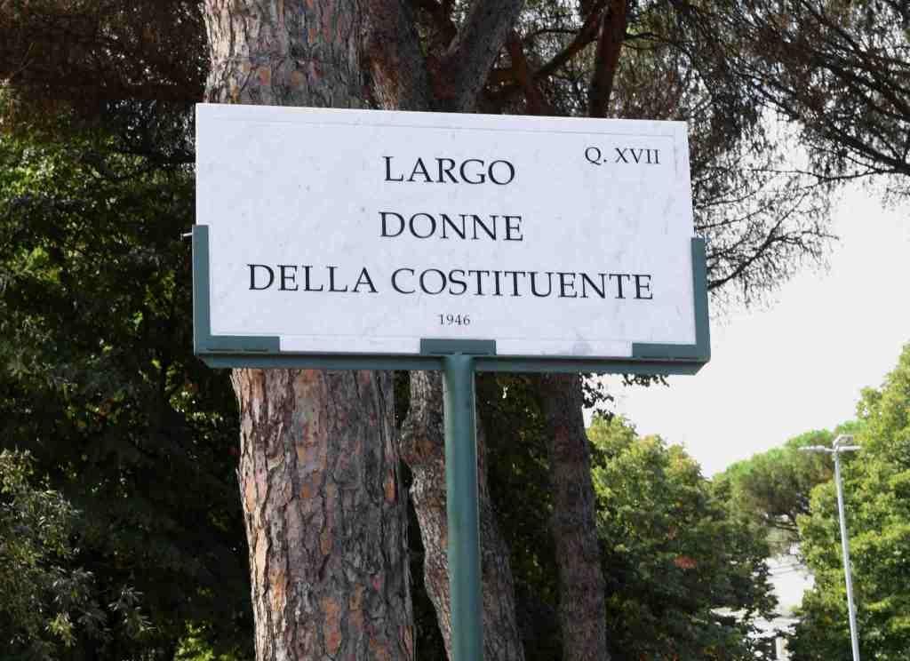 targa-albero-largo-donne-della-costituente-1946